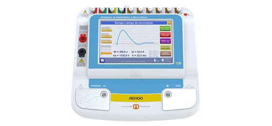 O AD100 A Series une, em um único equipamento, um analisador de desfibrilador, um simulador de paciente e um analisador de marca-passo externo. O analisador de desfibrilador AD100
